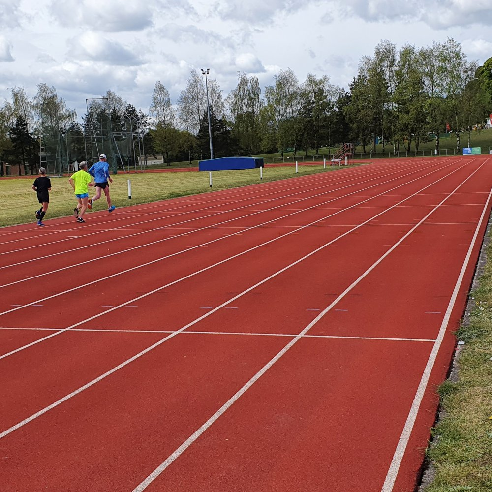 Runners on Mansfield Track